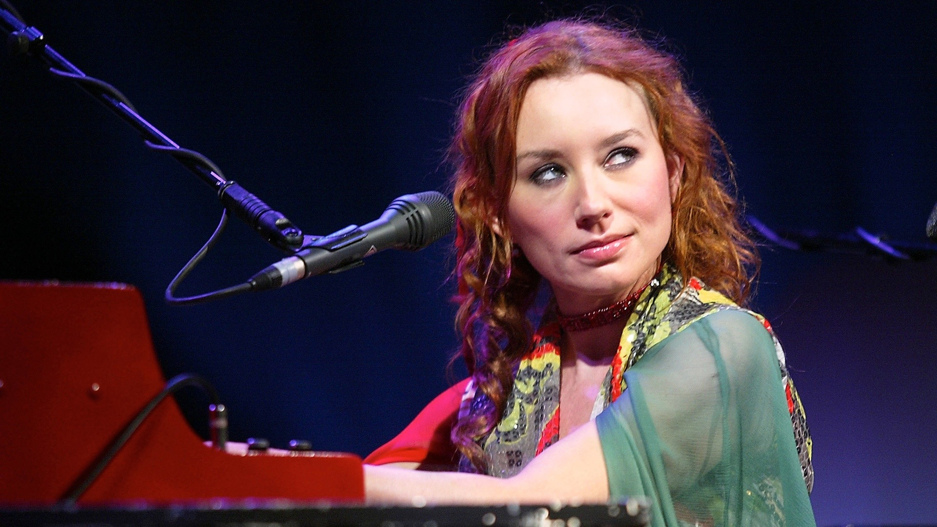 Tori Amos Rehearses For Sold-Out Concert