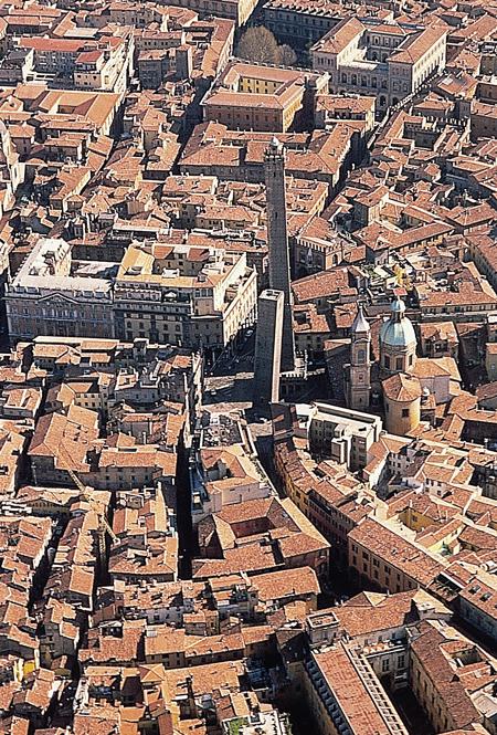 Bologna vista dall'alto nel Quadrilatero dell'Unesco