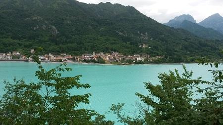 Lago di Barcis nelle Dolomiti friulane