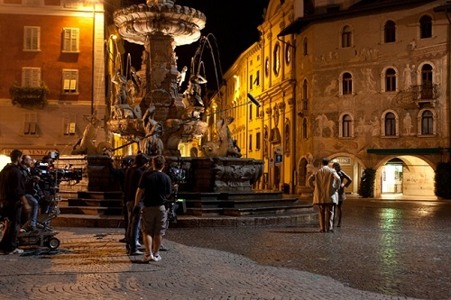 Vinodentro - Film in piazza duomo Trentino
