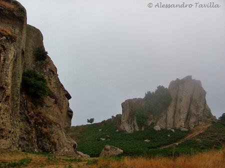 Megaliti Argimusco, il volto della Grande Rupe