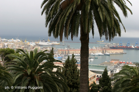 Castello D'Albertis - Vista sul porto di Genova