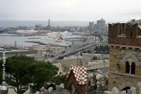 Vista sul porto di Genova dal Castello D'Albertis