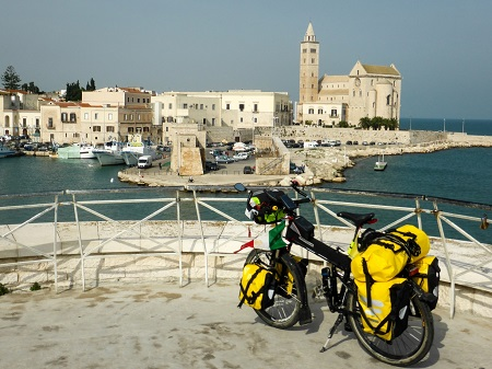 Da Genova a Gerusalemme bici, Trani