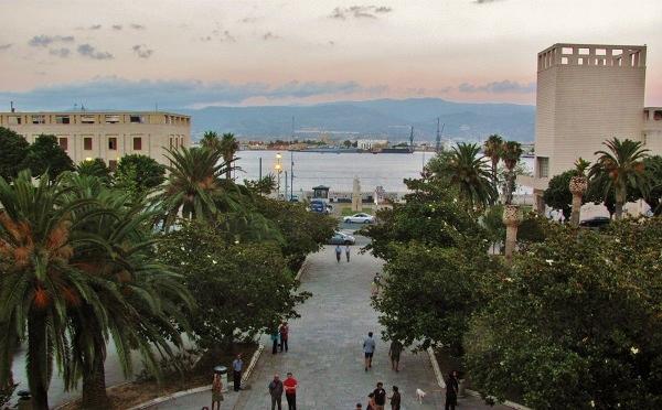Messina, piazza Unione Europea sul mare