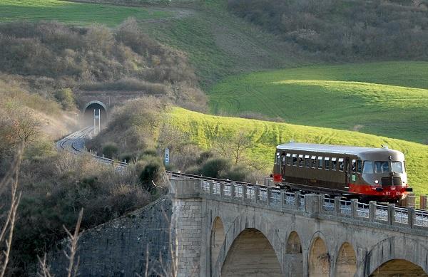 Treno Natura Un Viaggio Daltri Tempi Buon Viaggio Italia