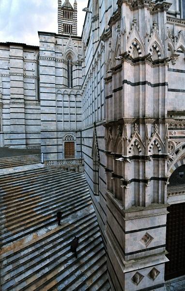 Lato Battistero a Siena