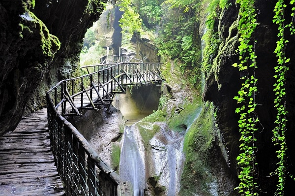 I Luoghi del Cuore Fai - Grotte del Caglieron Foto di Tiziana De Conti © FAI