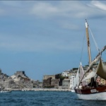 Escursione in mare nella baia di Portovenere, parlando di viaggi