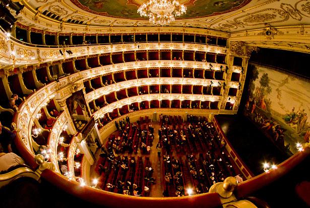 Parma_Teatro_Regio_Veduta